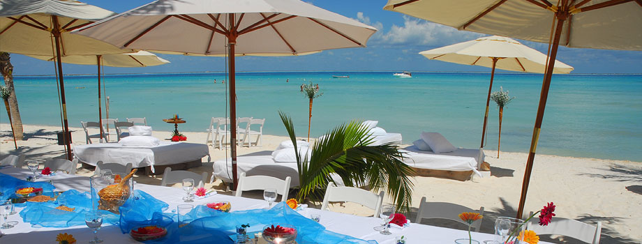 Our hotels weddings isla mujeres for Hoteles con cabanas dentro del mar